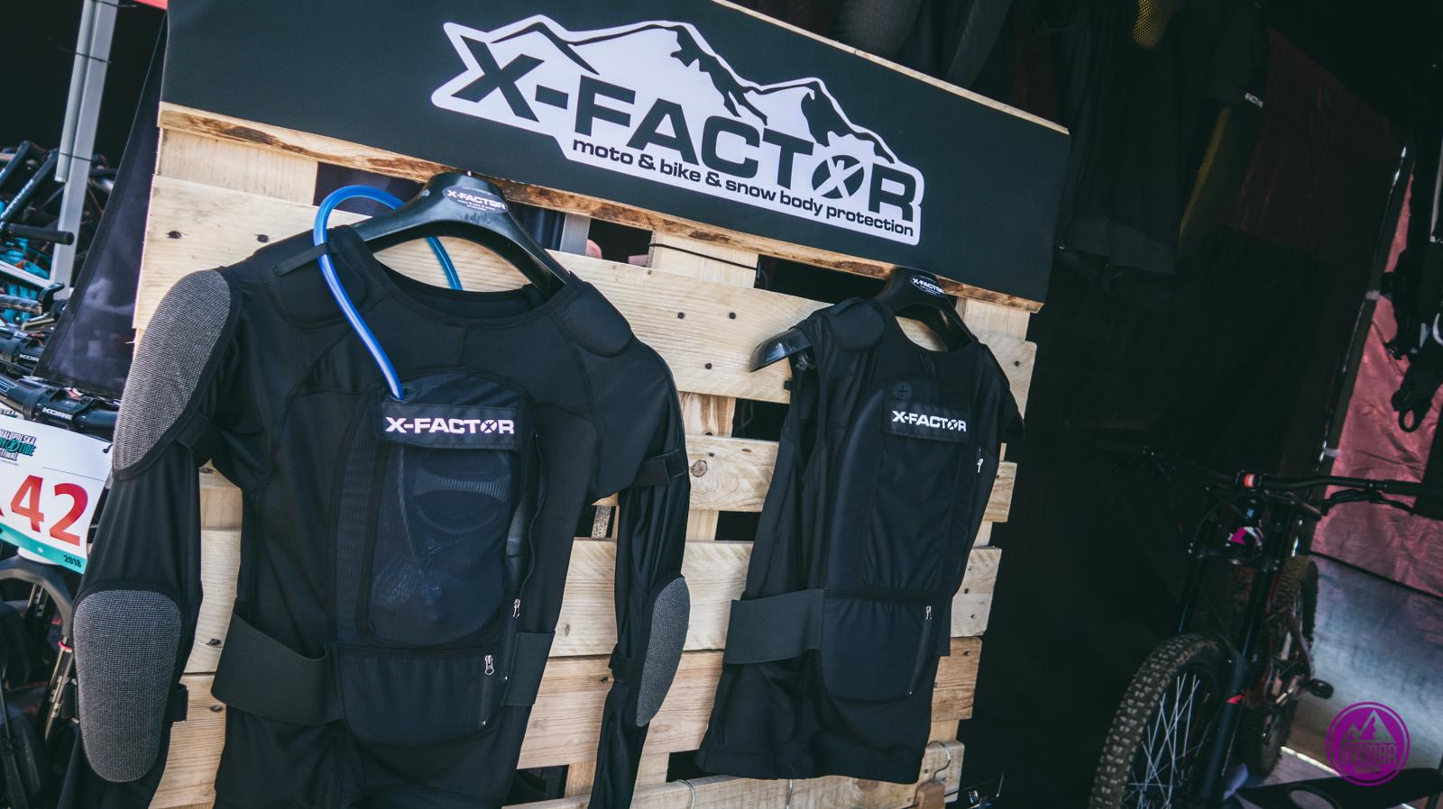Ochraniacze i zbroje X-factor.