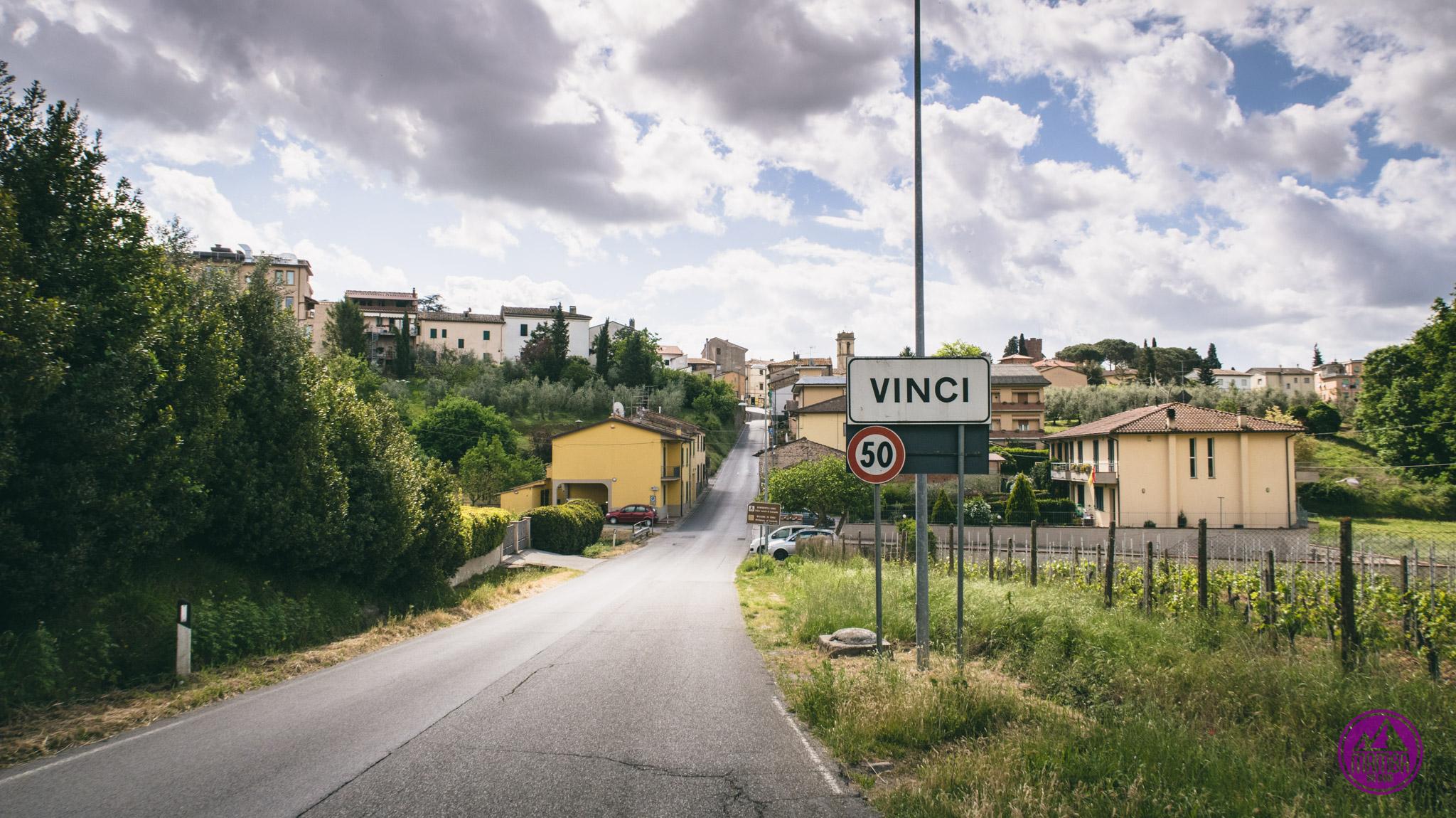 Tablica miasteczko Vinci.