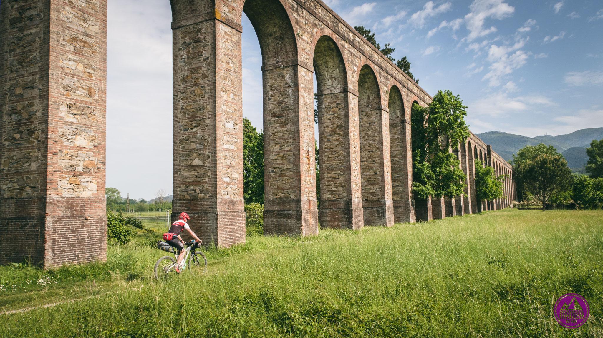 Akwedukt w Toskanii