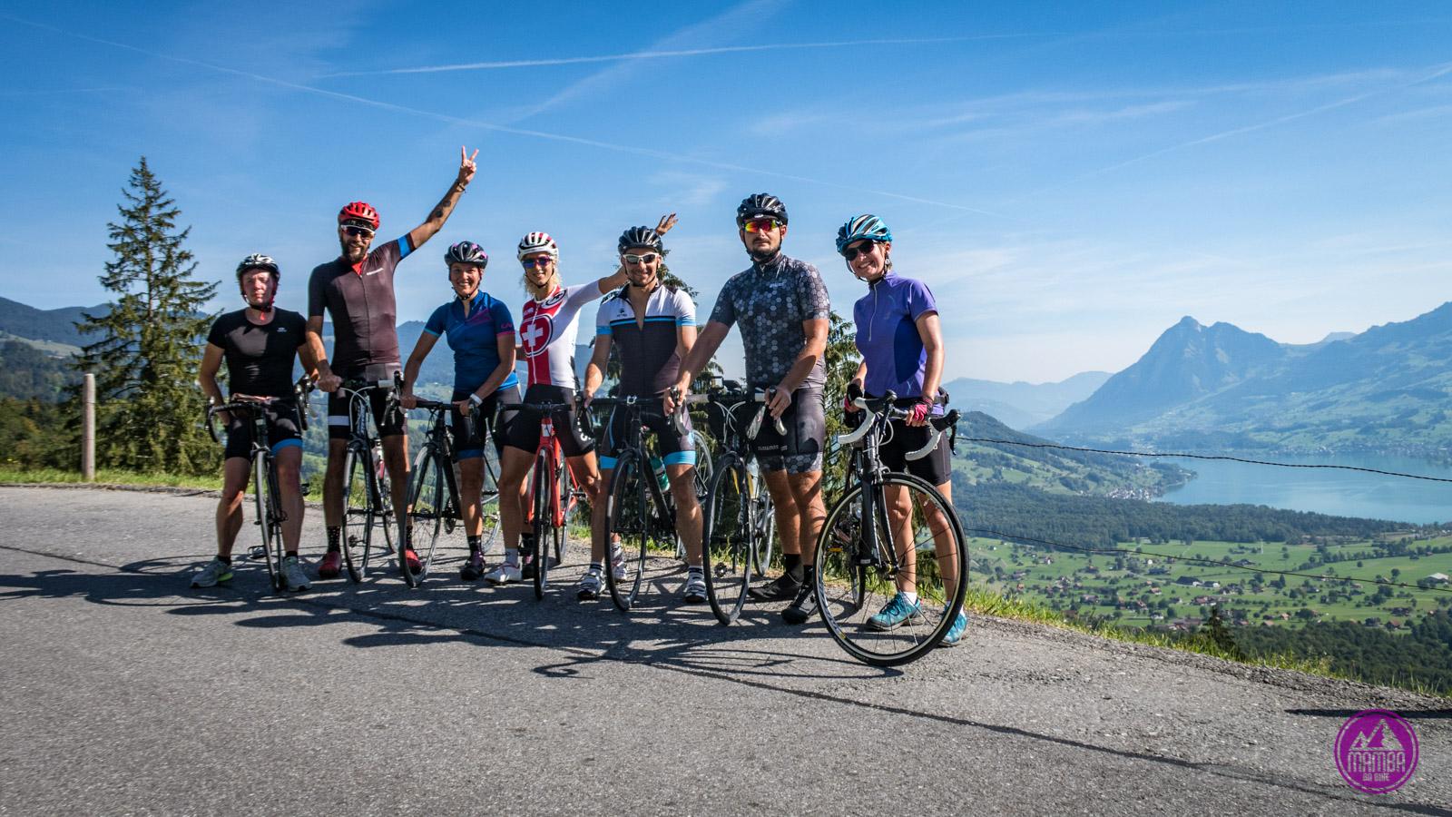 Szwajcaria - Jolanda Neff - grupowe foto