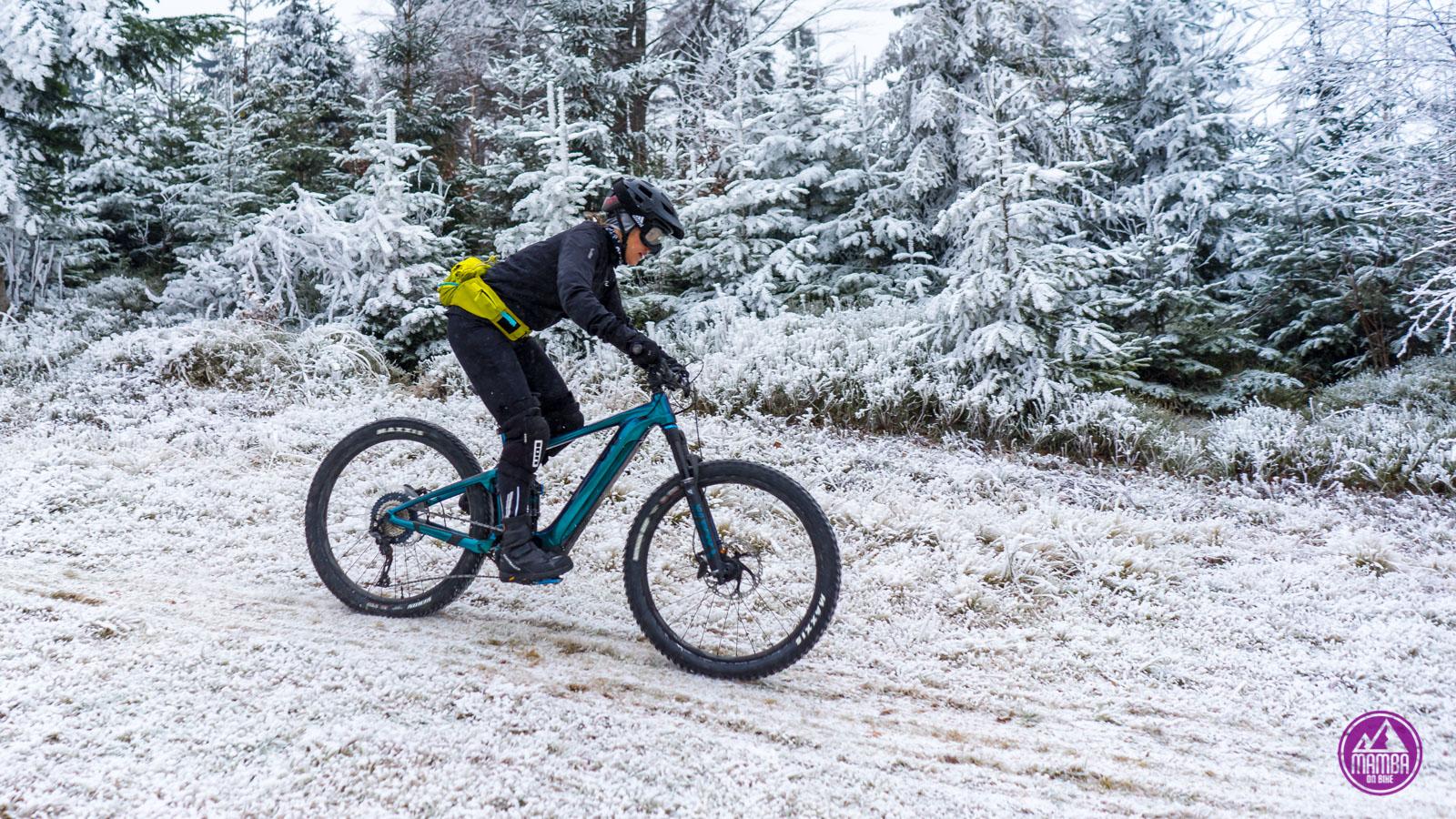 Zimowe ubranie na rower.