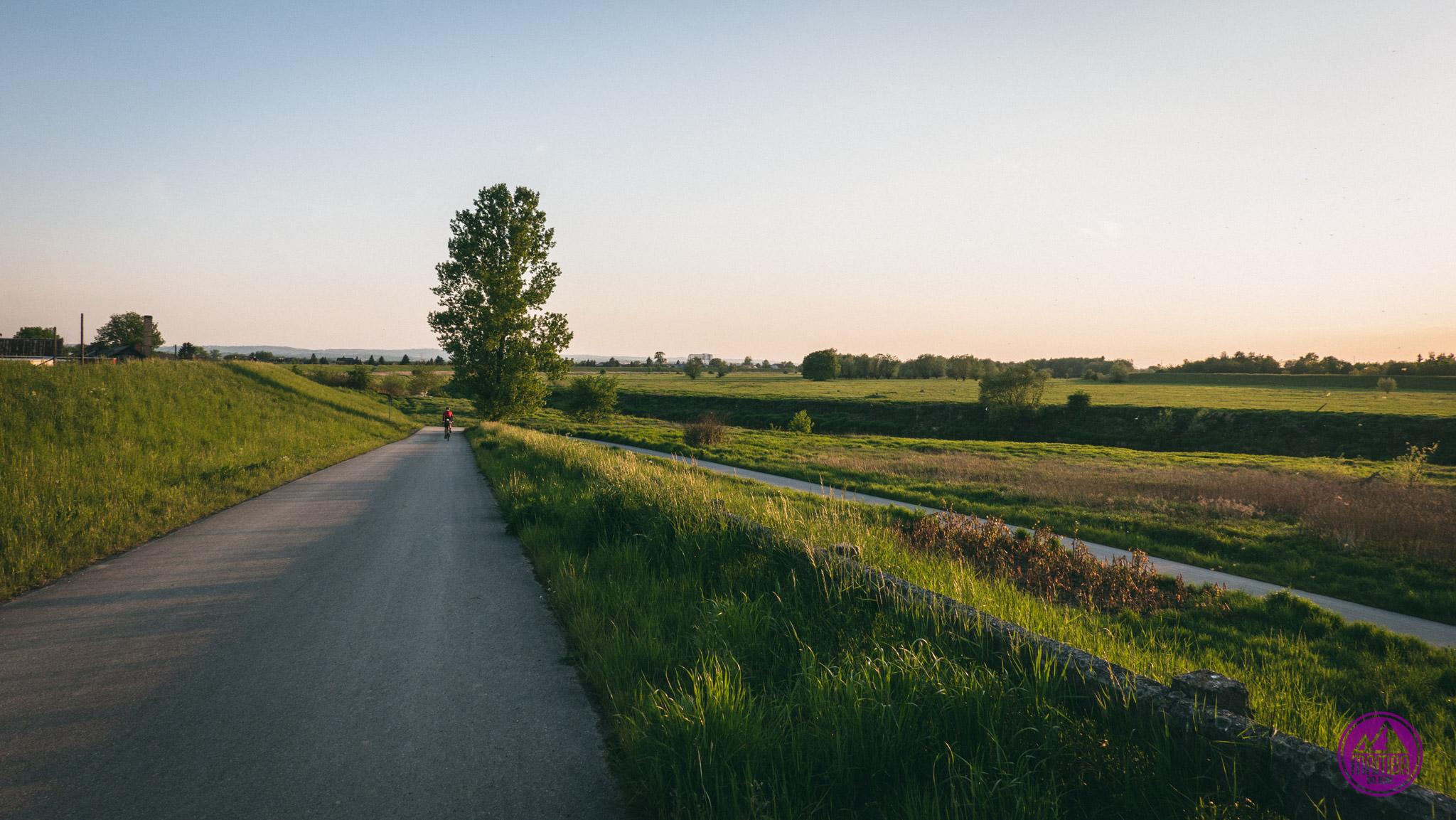 Wiślana Trasa Rowerowa - zachód  słońca