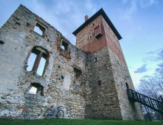 Gravelowy Śląsk – Zamek w Chudowie i Lasy Kochłowickie na rowerze