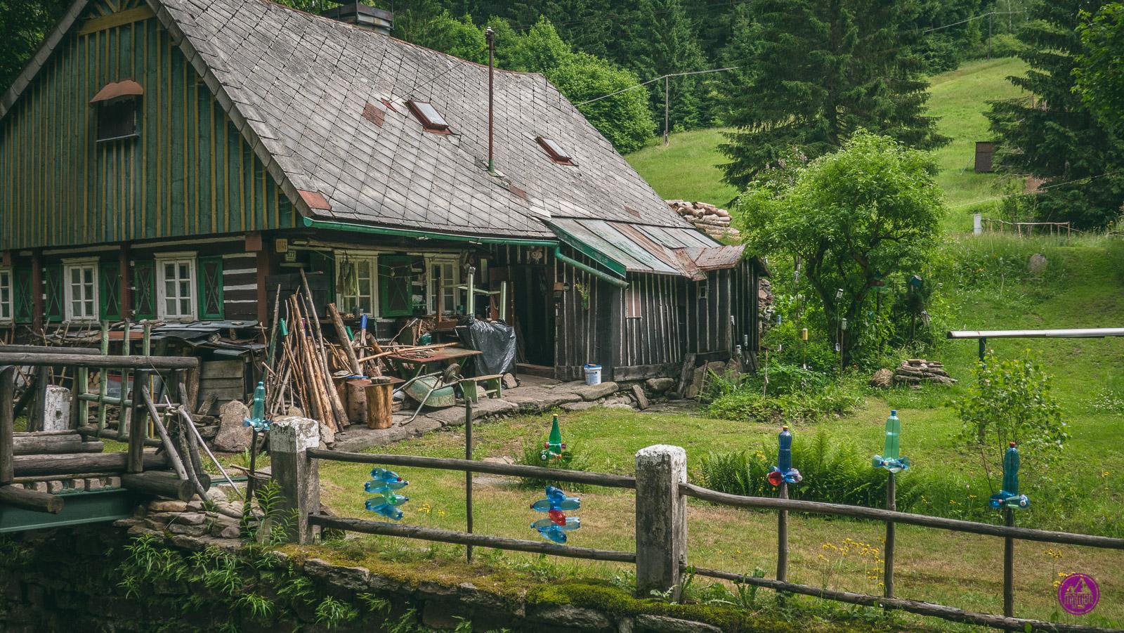 Chata w górach orlickich